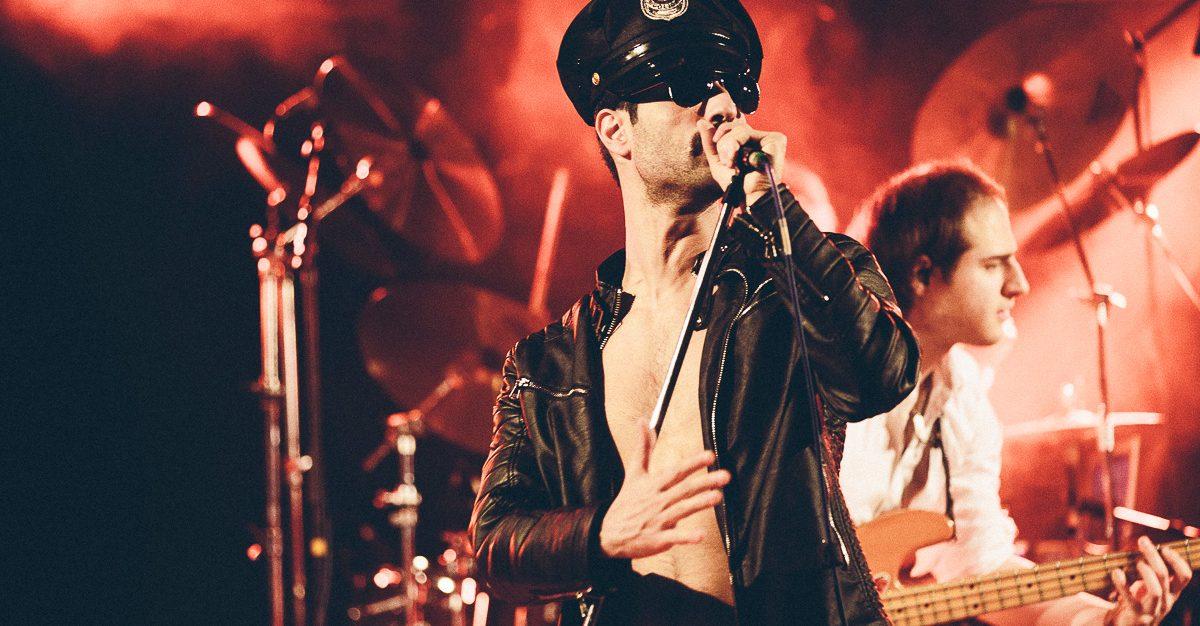 Queen perform by BREAK FREE